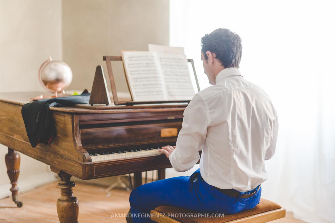Le marié au piano